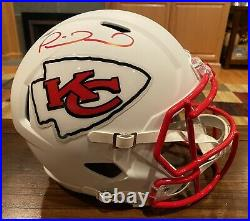 Patrick Mahomes Signed Kansas City Chiefs Flat White Full Size Helmet Beckett 2